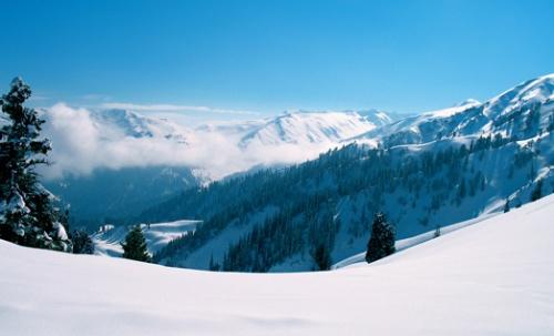 Ski Gulmarg - Himalayas with Indus