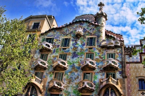 Batllo_House_Gaudi_Barcelona photo Matinibz